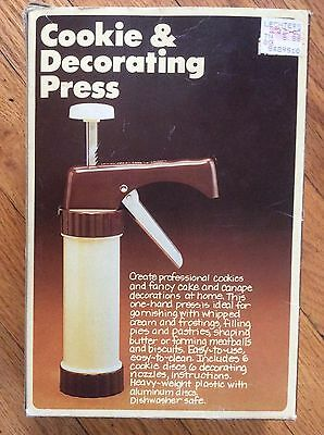 New 1979 Vintage Hoan Cookie & Decorating Press Excellent Condition