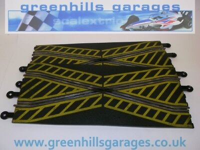 Greenhills Scalextric Classic Track Crossover Pair Yellow Markings C182 - MT26