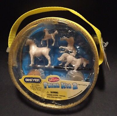 Breyer Mini Whinnies paint Kit 2 BN IOP 2007 new listing as used due to zipper