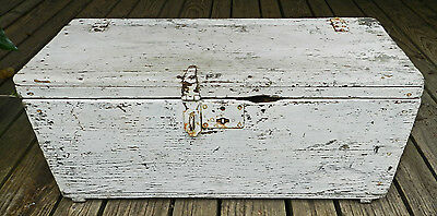 Fabulous Antique/vintage Distressed Primitive White Wood Tool Box!!