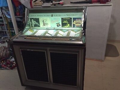 SEEBURG JUKEBOX STEREO Console Model LPC-1