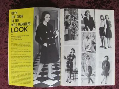 Du Pont Textile Fibers Fabric Teenage Girls Fashion Vintage 1960s Brochure