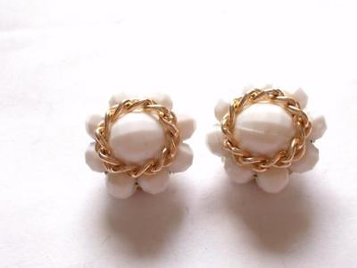 VINTAGE 50's WHITE LUCITE BEAD BEADED CLUSTER GOLD TONE CHAIN CLIP ON EARRINGS