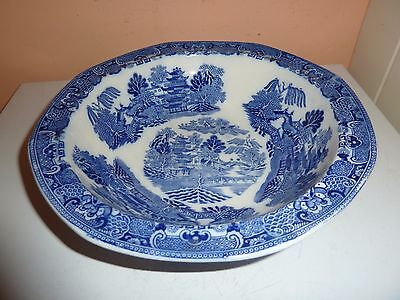 Maling Three Pence Shaped 24.8 Cm Diam Fruit Bowl With Blue/white Willow Pattern