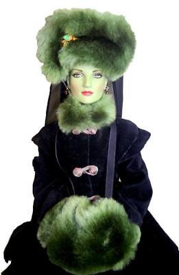 """Forbidden Forest Winter Stroll Wicked Witch 2007 Tonner 16"""" Doll Brick Stand Box"""