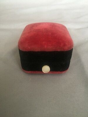 Vintage Antique Deco Two tone Red Black Velvet Mother of pearl Ring Box