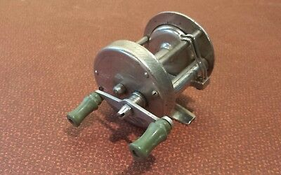 Vintage Great Lakes Products Fishing Reel ~ Lg. Coll. ~ No. 20
