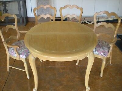 Blond Wood Dining Table And 4 Chairs