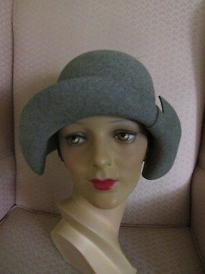 Vintage Adolfo Ii Gray Wool Felt Cloche Paris Ny Minty Flapper Style Must See