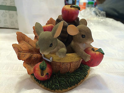 """Charming Tails """"Friends Are A Bushel Of Fun""""  Signed by Dean Griff  FALL"""