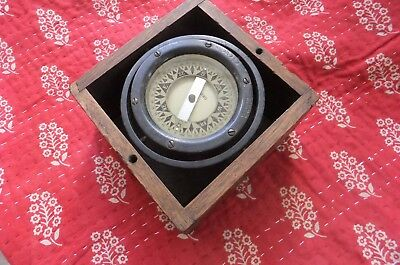 Perko Compass # 26242  Star   Boston. USA in dovetail wood Box Working condition