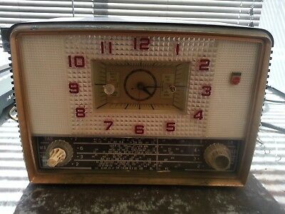 Vintage Philips Clock Radio 1957
