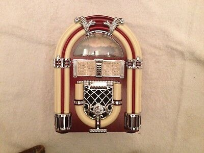 Juke Box AM/FM Battery-Operated Radio - Unused in Original Packaging from 1997