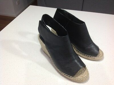 Country Road Black Wedges Size 40