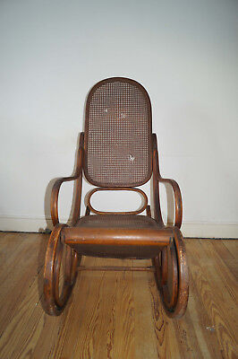 THONET Schaukelstuhl Rocking chair