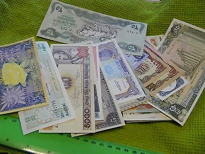 Lot of 30 uncirculated World Banknotes, all diff....one 1940s,one 1964(Lot A)