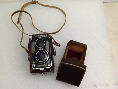 Vintage Yashica 44 Tlr Camera With Lens Cover And Leather Case