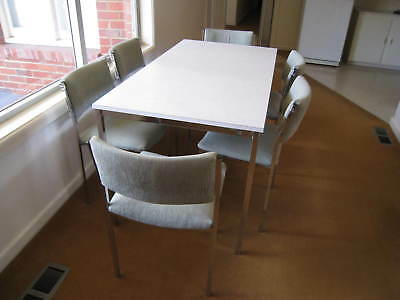 Laminate Kitchen Table And Chairs