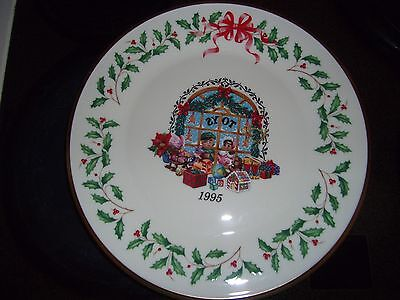"""1995 Lenox Annual Holiday Collectors Plate """"Toy Store"""" New In Box Christmas"""