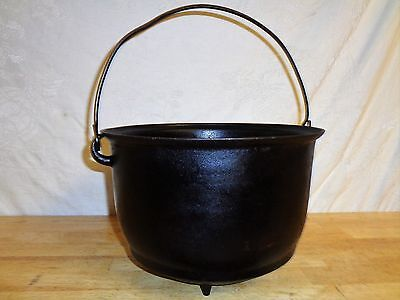 "Vintage 1800's Cast Iron No 8 Pot - 11 x 8"" - Wire  Handle - Gate Mark - 3 Feet"