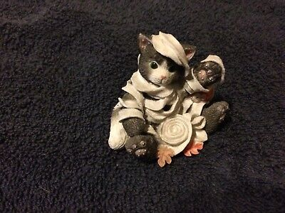 Calico Kittens Mummy Mischief Cat Figurine with Mouse 274836 Halloween Kitten