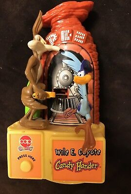 Wile E Coyote Roadrunner Pez Candy dispencer!!! Excelent condition!!!!