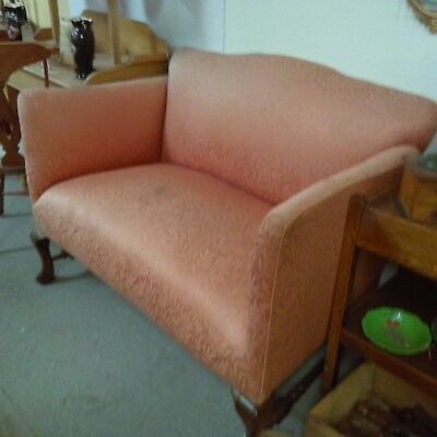 Pretty C1900 antique Victorian cottage sofa with cabriole legs for reupholstery