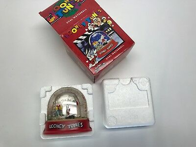 """Vintage """"Looney Tunes"""" Bugs Bunny Christmas Snow Globe/Oval Waterball/Dome"""
