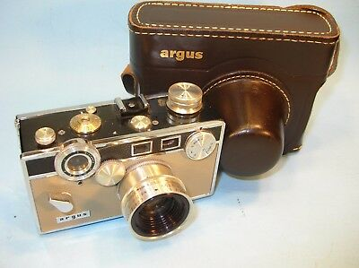 Super Clean Vintage ARGUS Box Style 35mm CAMERA 50mm f3.5 w/ Leather Case