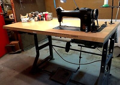 Singer 241-13 Industrial Sewing Machine w Accessories!!!
