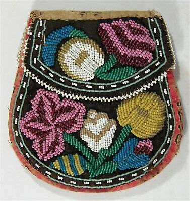 1890s NATIVE AMERICAN GREAT LAKES / OJIBWA INDIAN BEAD DECORATED PURSE / BAG