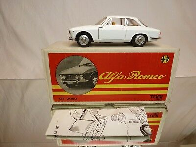 Togi 8/65 Alfa Romeo Giulia Gt 2000 - Off White 1:23 - Excellent In Box