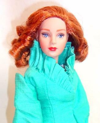"Tonner Doll Master Glamour Girl Tiny Kitty Redhead 10"" Doll Stand w/Green Outfit"