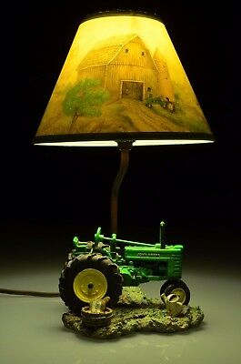 1999 John Deere Tractor Lamp with Lamp Shade in Working Condition