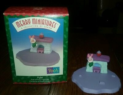 1999 Hallmark Merry Miniatures - First of 4 Christmas at Pooh's House