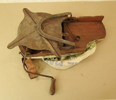 Vtg  Cyclone Little Giant Metal Wood Hand Crank Grass Seeder Spreader