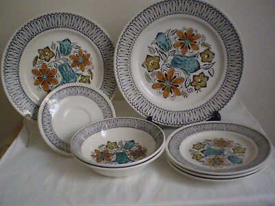 "Kathie Winkle ""seychelles"" Part Dinner Set X 10 Items. Handpainted Under Glaze."