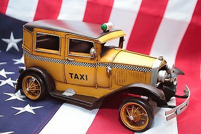 FORD YELLOW TAXI NEW YORK tin toy tinplate car blechmodell auto voiture tole