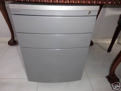 Maxton Fox 3 Drawers Metal Office Suspension Filing Cabinet Pedestal in VGC