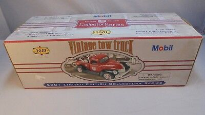 Mobil Limited Edition Collector Series 2001 Vintage Tow Truck 1:18 Scale Bank