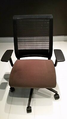 Steelcase Think Chair with Arms in Excellent Condition - Cost over $800+