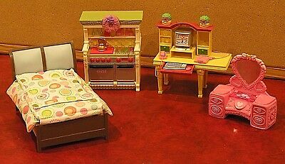 FISHER PRICE LOVING FAMILY DOLLHOUSE DELUXE FURNITURE  4 PIECES   Post or Pickup