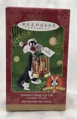 Hallmark 2000 Keepsake Ornament Looney Tunes Sylvester's Bang Up Gift Tweety