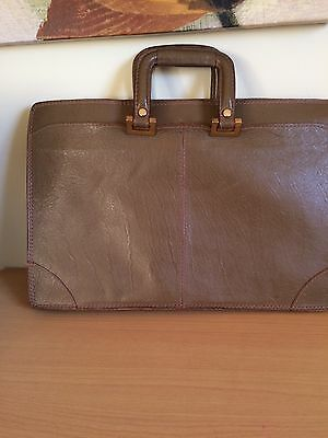 Calderone Vintage Leather Briefcase Made in Italy Olive/Beige Tablet Notebook