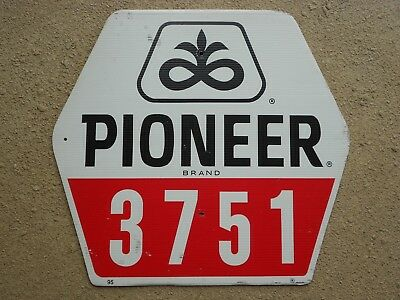 Pioneer Seed Corn plot sign 3751 variety hybrid farm advertising 21x22