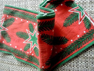 Swedish vintage 1970s Christmas table runner, red stars on green pinetree leaves