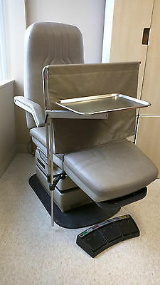 Podiatry Chair Midmark 417 + 425 STOOL/Mayo tray/Privacy blind - BEST VALUE !!!