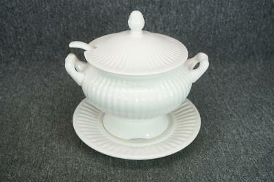White Porcelain Soup Tureen With Ladle And Lid And Base Plate Electric