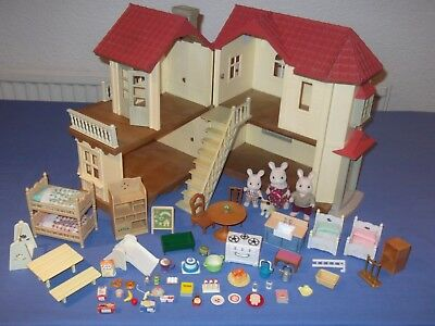 Sylvanian Families Beechwood Hall Willow house with  furniture and accessories