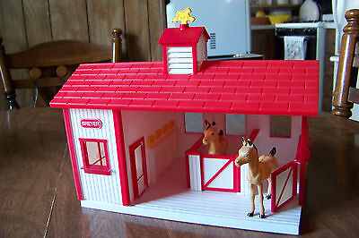 """Breyers Toy HORSE STABLE Barn  Red White 8"""" tall 3 stalls + tack room"""